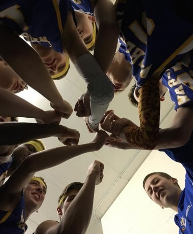 Freshman basketball ends season in style