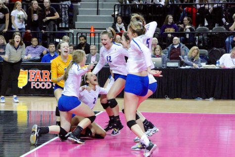 Wahlert girls' volleyball: State champs